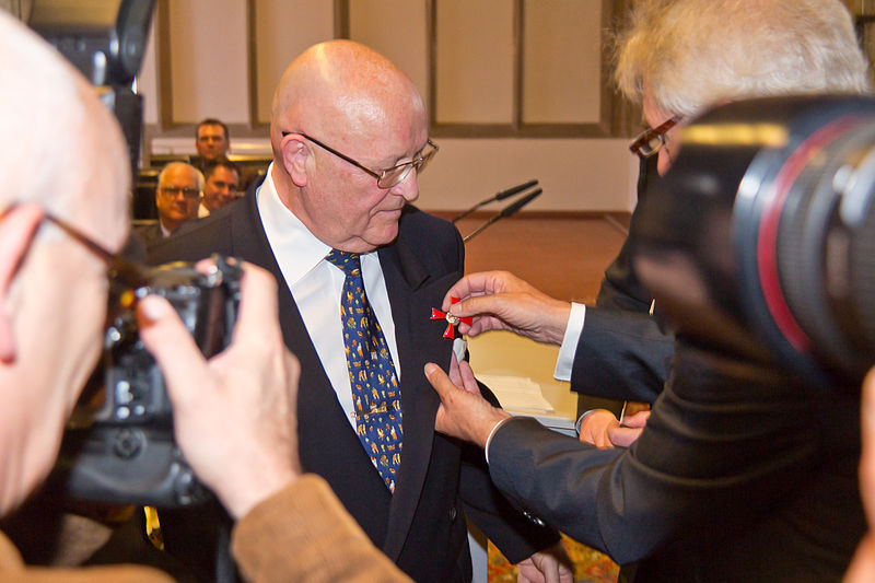 Verleihung des bundesverdienstkreuzes an klaus ulonska 7245